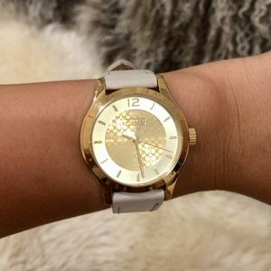 Coach Cream with Gold Face 1222 Watch